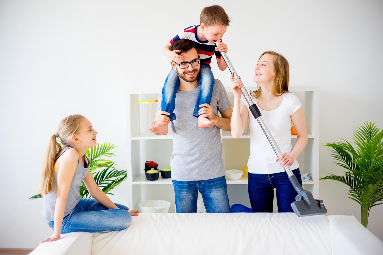 familie_gør_rent